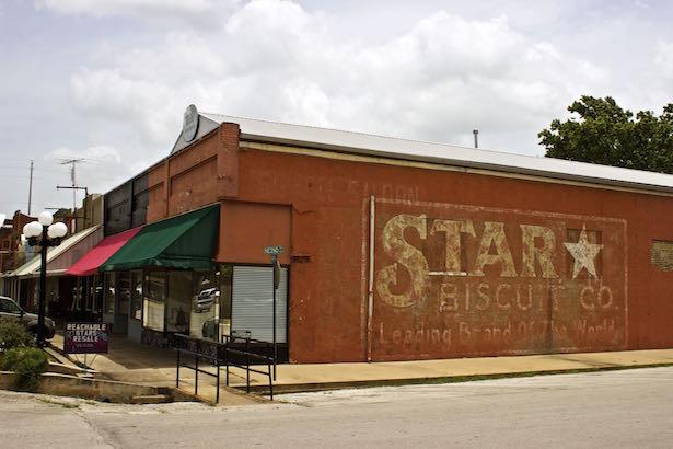 Smithville Texas - Murals
