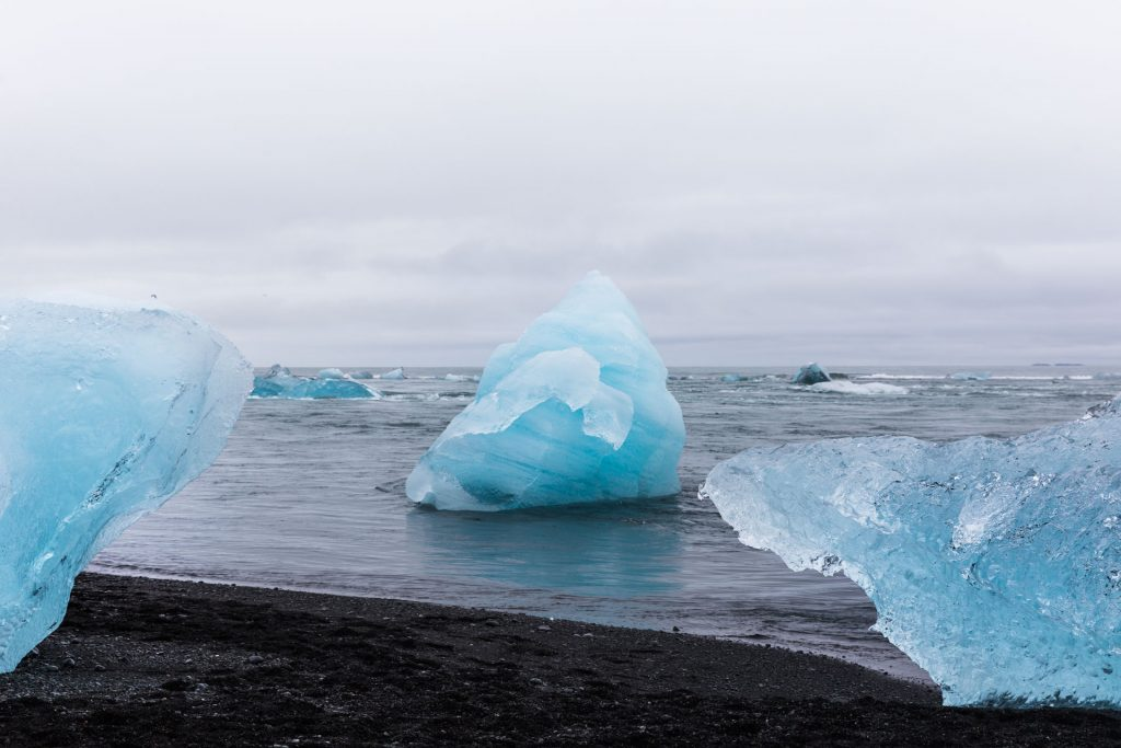 BlueSkyTraveler Diamond Beach - Iceland