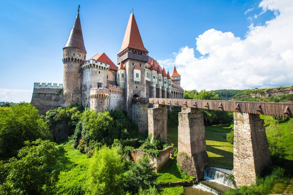BlueSkyTraveler.Romania.Castle1